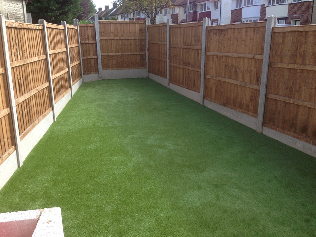 artificial-turf-looking-good-3